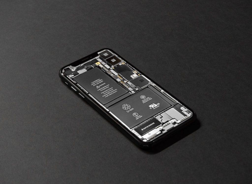 pokazený iPhone