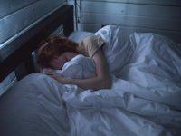 unavená žena